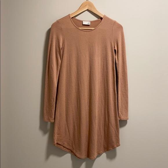 Aritzia // Wilfred Odile Longsleeve T-Shirt Dress